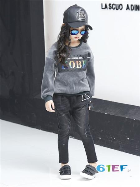 布衣班纳童装品牌2017年秋季时尚个性字母女卫衣