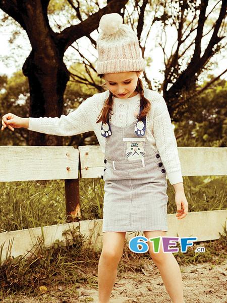 以纯童装品牌为0-16岁的孩子们,提供更多色彩丰富的造型搭配