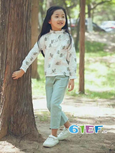 mini petrel童装品牌2018年春夏娃娃领气质碎花女上衣