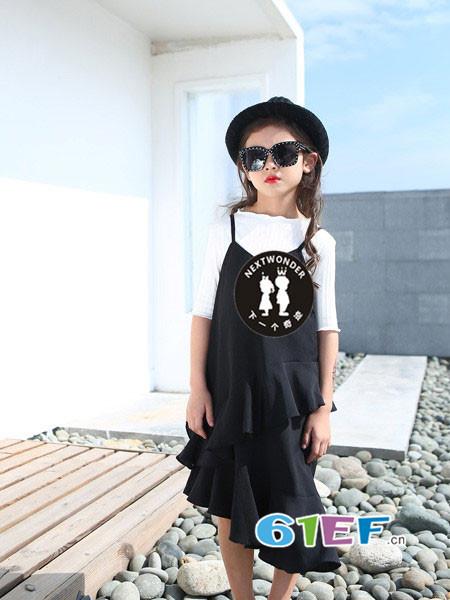 下一个奇迹童装品牌2018春夏欧式时尚荷叶不规则边吊带裙