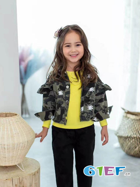小嗨皮童装品牌2018春夏迷彩外套