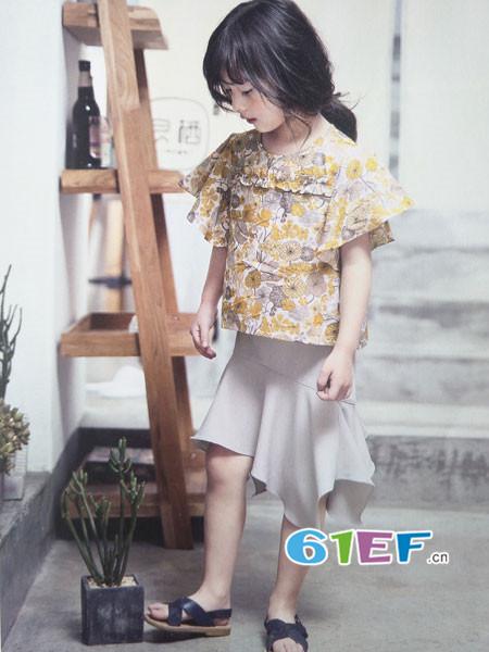 青稚童装品牌2018春夏时尚可爱碎花雪纺女上衣