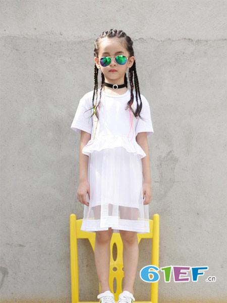 布衣班纳童装品牌2018春夏白色修身女童百搭上衣