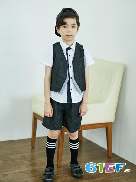 伟尼熊童装品牌2018夏季男童帅气时尚西装马甲