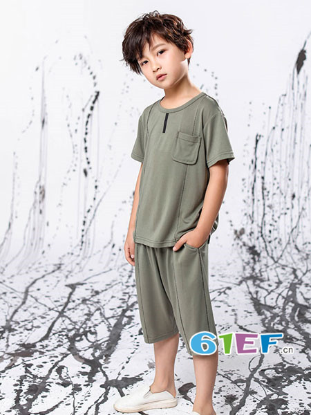 恋衣臣童装品牌2018夏时尚休闲简约男短袖T恤