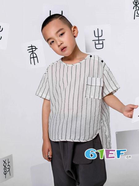 恋衣臣龙8国际娱乐官网品牌2018夏时尚条纹短宽松T恤