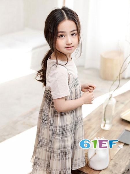 恋衣臣龙8国际娱乐官网品牌2018夏韩式吊带两件套格子连衣裙