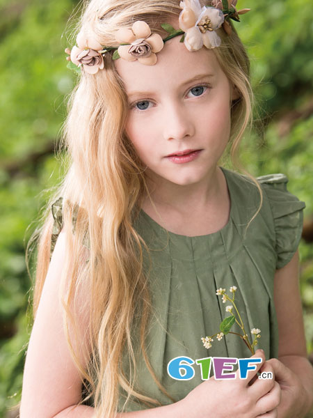 PIPPY童装品牌2018春夏新款女童宝宝小飞袖圆领纯色蕾丝T恤