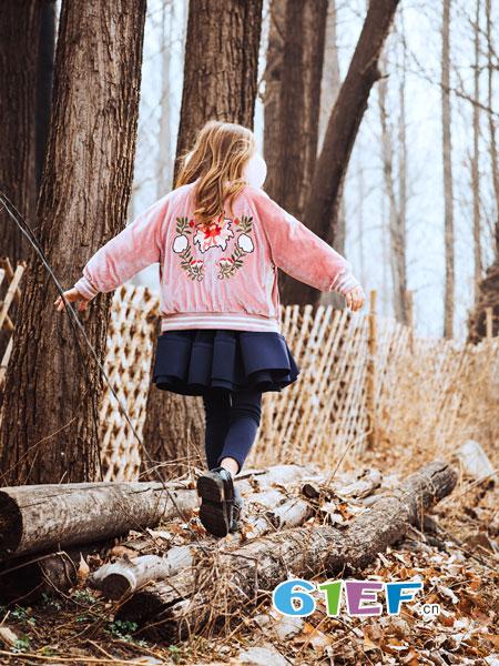 水孩儿souhait童装品牌2018秋冬舒适小圆领套头衫精美刺绣针织衫