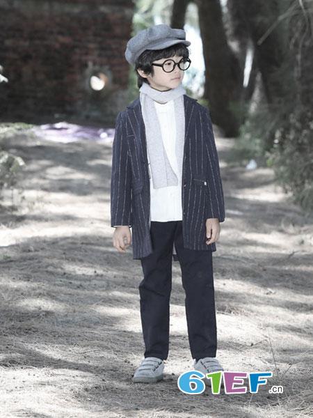 森虎儿龙8国际娱乐官网品牌2018秋冬英伦风 双面绒条纹微茧型廓型大衣