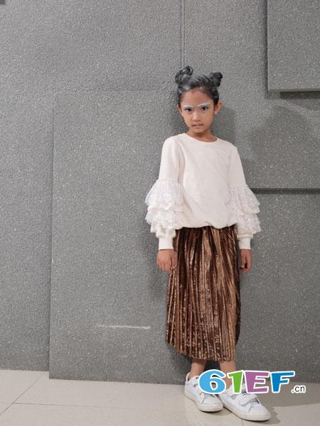 小猪芭那童装品牌2018秋冬拼接蕾丝花边白色加绒套头卫衣