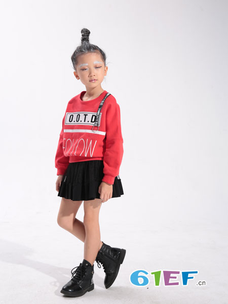 小猪芭那童装品牌2018秋冬潮牌字母印花套头卫衣长袖T恤