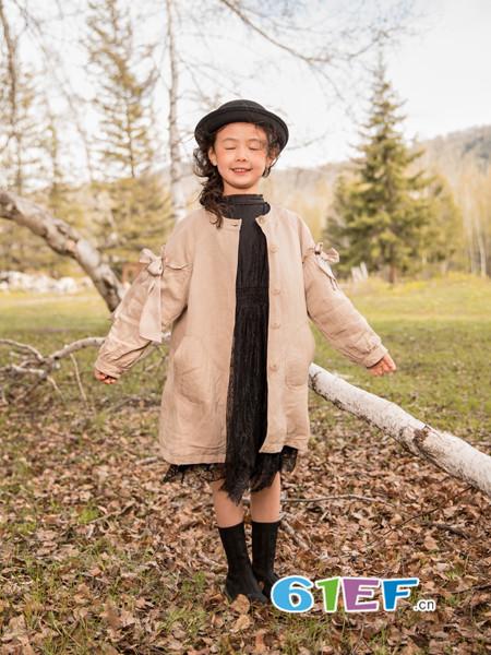秋冬简约气质英伦风 让宝贝美出新高度