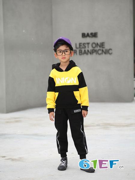 下一个奇迹童装品牌2018秋冬新款拼色卫衣韩版潮流学生连帽宽松帅气