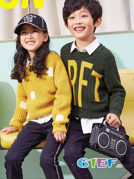 卡儿菲特童装品牌2018秋冬条纹韩版百搭圆领套头长袖针织衫