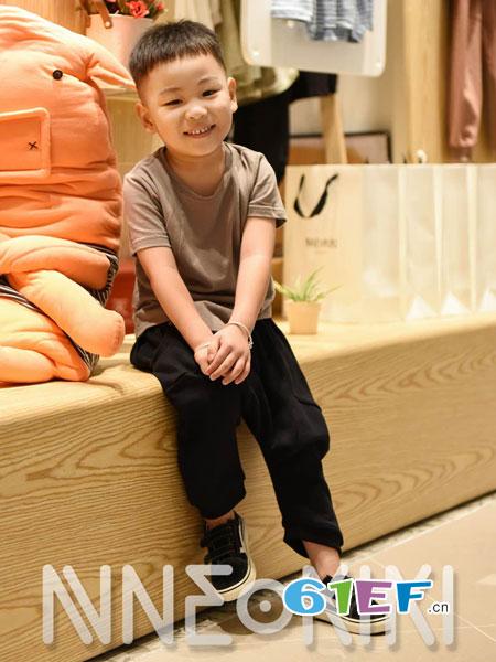 NNE&KIKI童装品牌2018秋冬新款韩版儿童上衣中大童百搭纯色打底衫