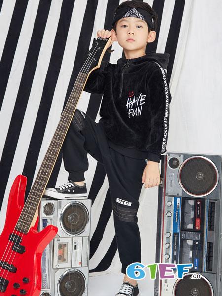 小红豆龙8国际娱乐官网龙8国际娱乐官网品牌2018秋冬儿童双面绒洋气金丝绒男孩潮衣