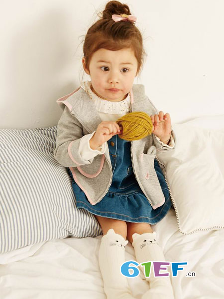 Moomoo品牌秉承科学的舒适,演绎儿童的时尚