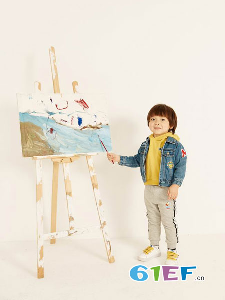 Moomoo龙8国际娱乐官网龙8国际娱乐官网品牌2018秋冬刺绣牛仔外套