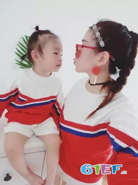 心然童龙8国际娱乐官网品牌拼接卫衣