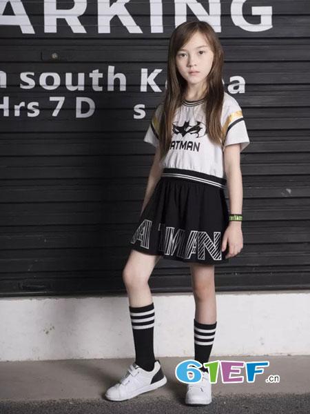 米6童品龙8国际娱乐官网品牌拼接连衣裙