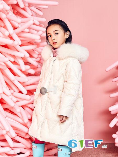 小资范童装品牌2018秋冬新品貉子毛面包羽绒服女短款宽松加厚外套