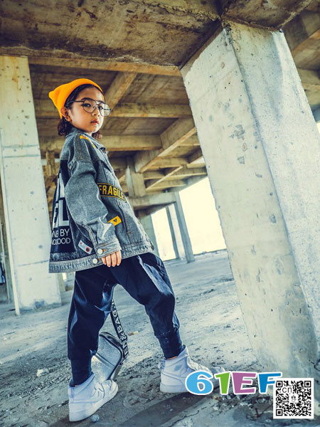 优优巴斯龙8国际娱乐官网品牌2018秋冬休闲牛仔小脚裤男孩单裤