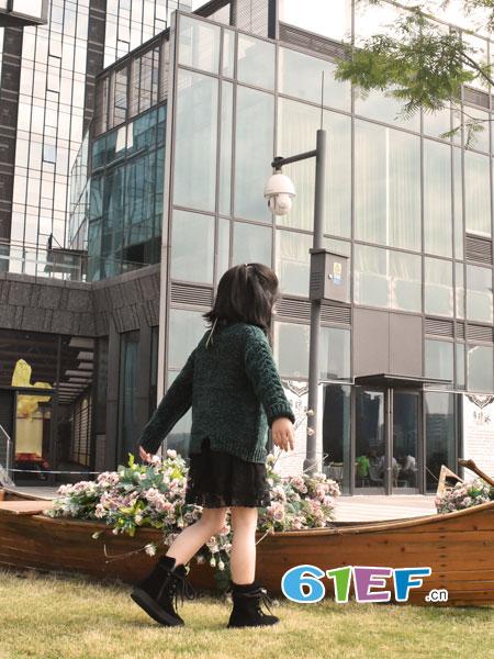 可米芽童装品牌2018秋冬金丝绒毛衣加裙子两件套