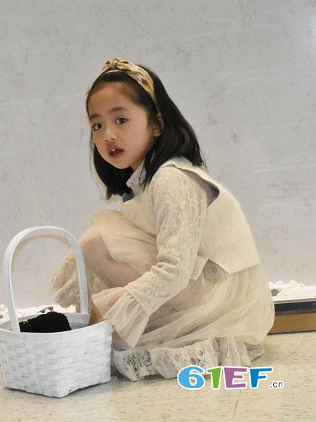 可米芽童装品牌2018秋冬毛衣加裙子中长款马甲两件套装针织衣裙