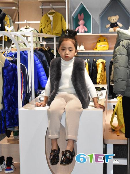 可米芽童装品牌2018秋冬中长款韩版修身时尚外套