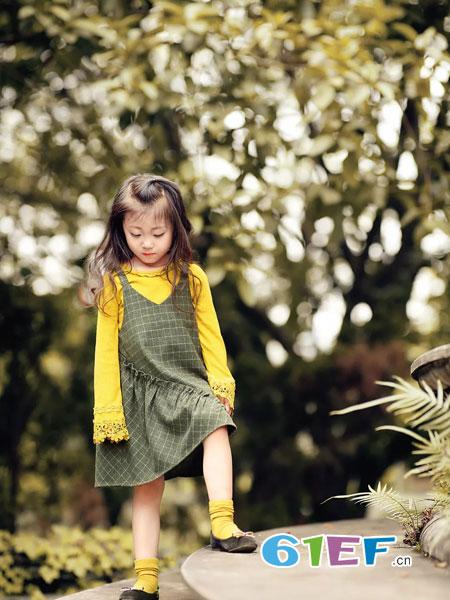 WISEMI威斯米童装品牌2018秋冬洋气两件套装