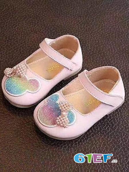 鸿胪娃童鞋品牌以文化烛照百味人生