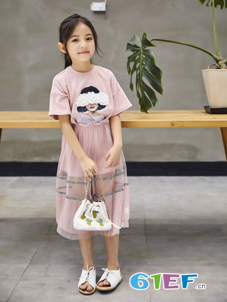 欧卡星童装品牌2019春季圆领短袖露肩蒙眼立体花少女印花棉t恤
