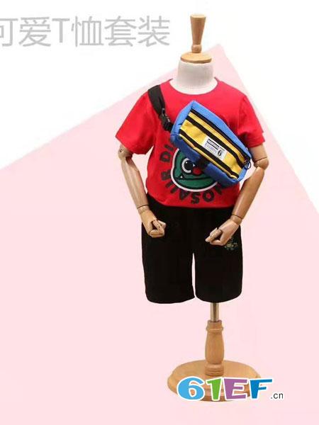 伊顿风尚童装品牌2019春季修身时尚卡通上衣