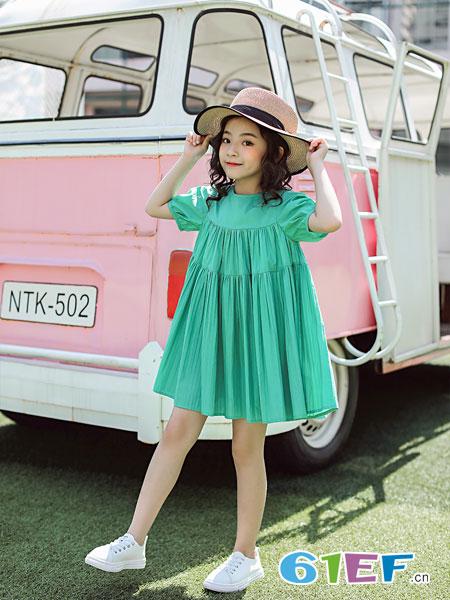 欧卡星童装品牌2019春夏修身显瘦玫瑰印花一字领A字裙