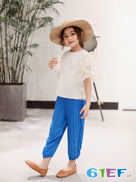 欧卡星童装品牌2019春夏 优雅客供棉麻喇叭袖圆领上衣