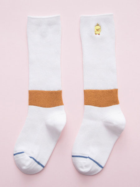 小小羊驼婴童用品        积极开发新产品