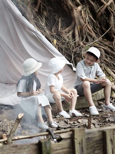 森虎儿童装品牌2019?#21512;?#27665;国风表演服幼儿园园服校服
