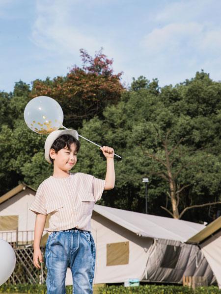 逗龙王子童装品牌2019春夏条纹圆领打底衫透气半袖