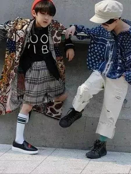 优优巴斯童装品牌2019秋冬印花宽松长袖衬衫半透雪纺衫