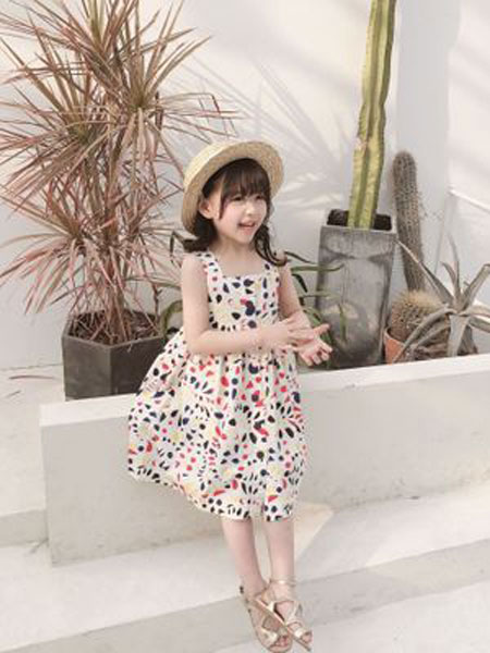 沃腾童装品牌2019春季全棉多彩小星星背带连衣裙
