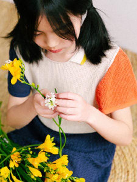 NATUNAKIDS纳桔童装品牌2019春夏圆领双色短袖上衣