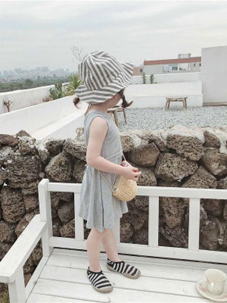 左左王子童装品牌2019春季坑条连衣裙儿童针织弹力背心裙子