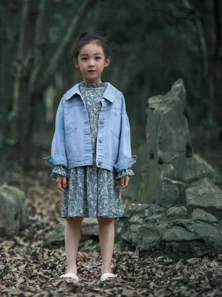 韩米娜风尚童装品牌2019春夏韩版牛仔长袖单排扣纯色短外套