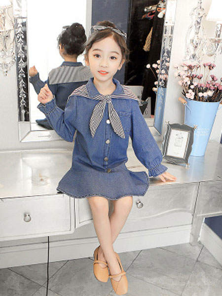 港角童装品牌2019春夏超洋气韩版牛仔小女孩连衣裙子