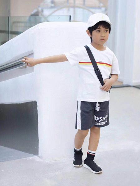 木子MUUZI童装品牌2019春夏印花上衣宽松圆领棉透气潮t