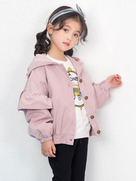 彩蝶童装品牌2019春夏连帽短款中大童风衣