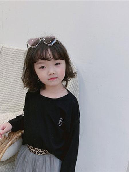 潮童轩童装品牌2019春夏韩版纯色笑脸印花打底T恤