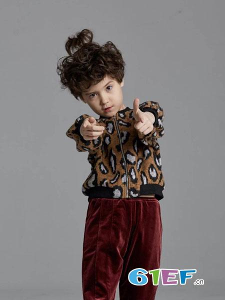 美式童装童装品牌2019春季时尚豹纹针织套头宽松毛衣裤子套装潮新品