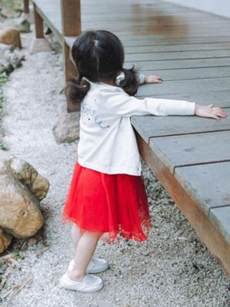 同宣童装品牌2019春夏新款刺绣纯棉针织衫